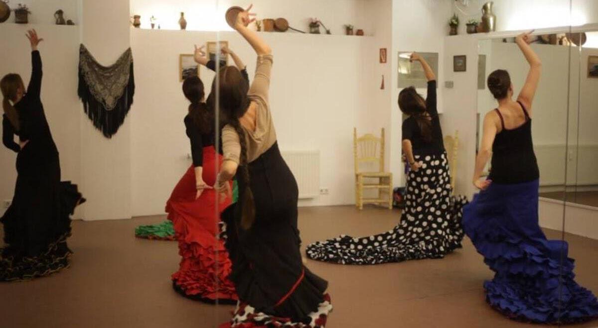 Du brauchst keinen Tanzpartner. denn Flamenco ist ein Bühnentanz